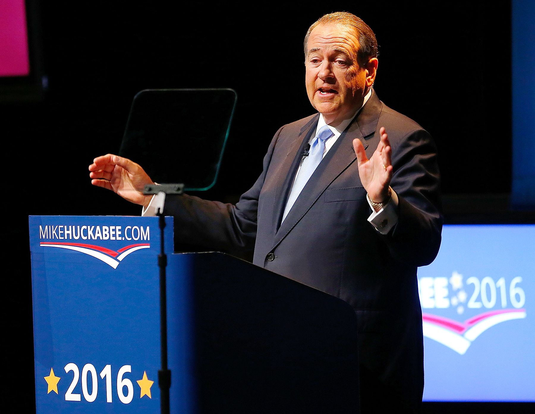 Mike Huckabee wants to peek into the girls' locker room, and he's man enough to admit it.