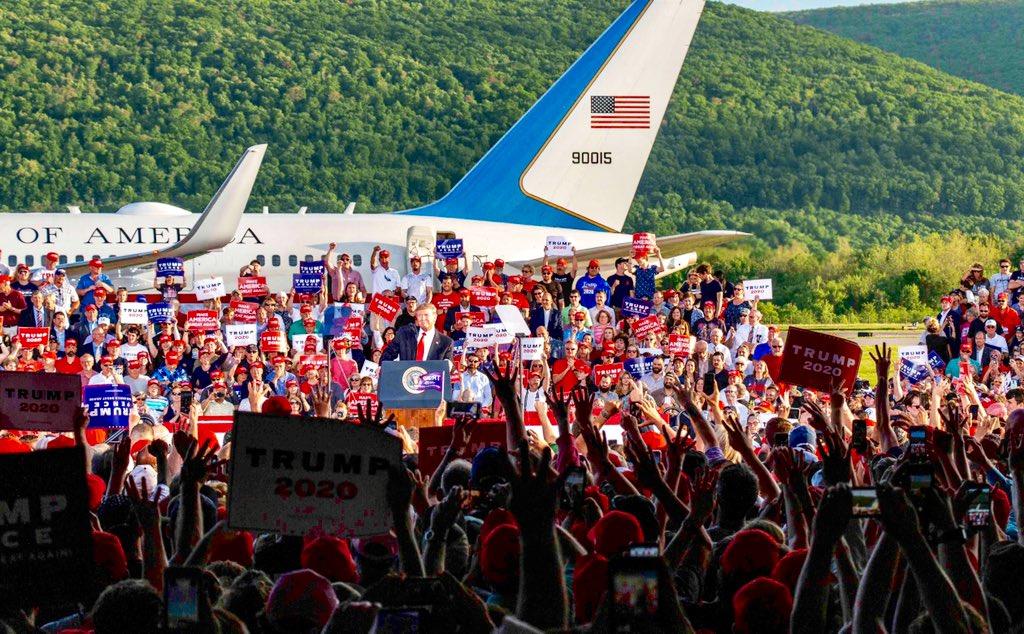 Donald Trump rallies supporters in Montoursville, Pennsylvania